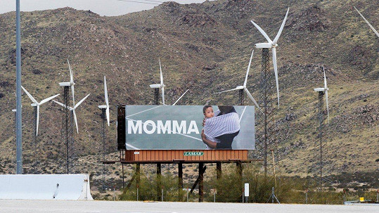 Manžel Alexis Ohanian jí nechal vzkaz na billboardech.