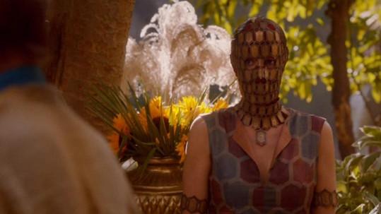 Laura Pradelska jako Quaithe ve Hře o trůny