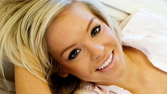 Katie Piper před rokem 2008, kdy se jí život obrátil vzhůru nohama...