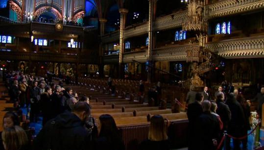 Pietní akt se konal v Bazilice Notre-Dame v Montrealu.