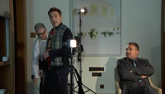 Naštvaný herec opustil natáčení.