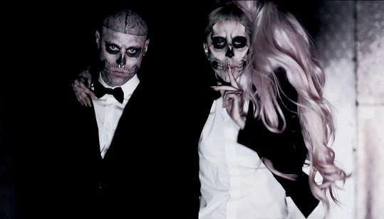 Rick Genest a Lady Gaga v klipu Born This Way