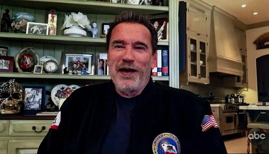 Arnold Schwarzenegger promluvil o roli dědečka v pořadu Jimmyho Kimmela.
