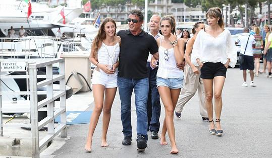 S dcerami a manželkou v Nice
