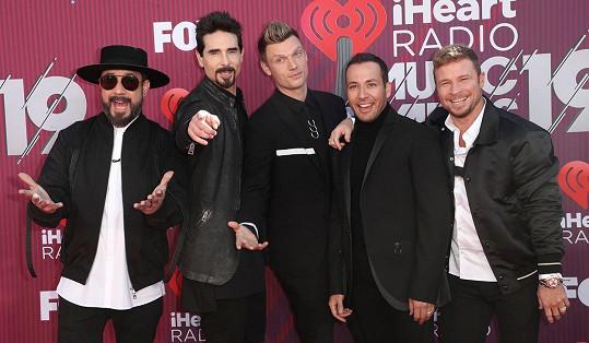 Skupina Backstreet Boys zleva: AJ McLean, Kevin Richardson, Nick Carter, Howie Dorough, Brian Littrell.