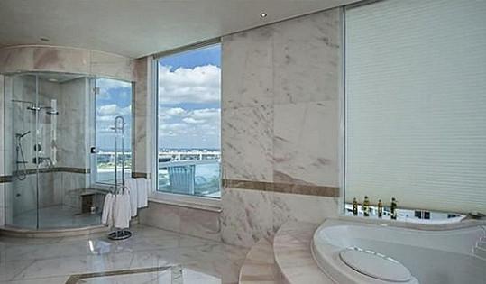 Jedna ze šesti koupelen