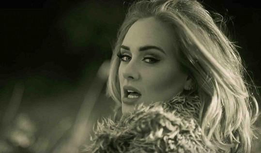 Adele ve videoklipu k písni Hello