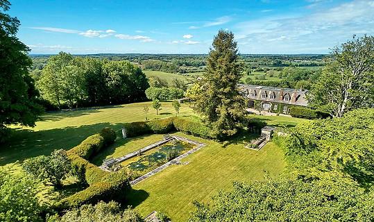 Robbie Williams prodává svůj dům v Compton Bassett.