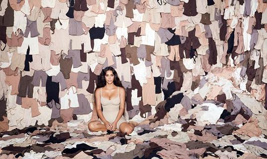 Kim je sama sobě často modelkou.