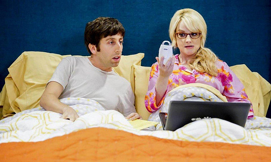 Rauch v roli Bernadette v seriálu Teorie velkého třesku
