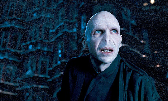 Ralph Fiennes jako Voldemort