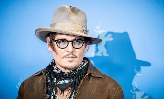 Johnny Depp prohrál soud s deníkem The Sun.