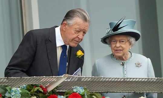 Michael Oswald radil královně ohledně závodů a byl také jejím věrným přítelem.