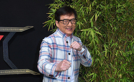 """""""Je sice mým biologickým otcem, ale nikdy v mém životě nefiguroval, nemám k němu žádný vztah,"""" řekla Etta před pár lety na adresu Jackieho Chana."""