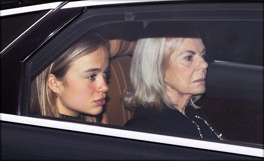 Se svojí babičkou, vévodkyní z Kentu, na snímku z prosince