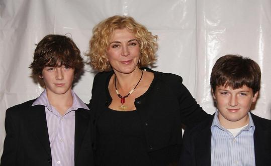 Hercova zesnulá žena Natasha Richardson se syny Danielem a Michaelem