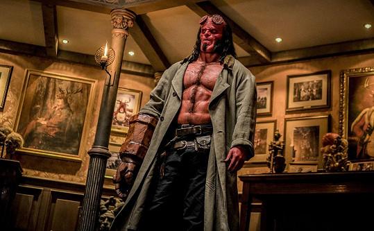 Fanoušci komiksů ho znají také jako Hellboye.