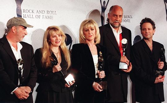 Stevie Nicks (druhá zleva) s kapelou Fleetwood Mac