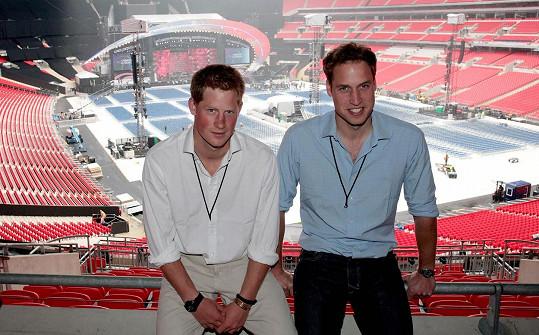V roce 2007 už se začal klubat krasavec i z Harryho.