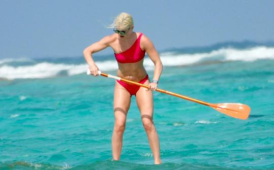 Lindsey Vonn vyzkoušela paddleboard.