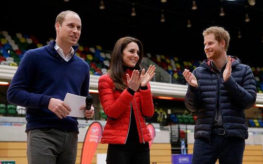 Harry šel za svědka Williamovi, když si bral Kate.