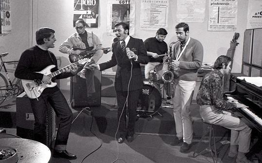 Karel Gott a Apollo (1967), kde účinkoval s bratry Štaidlovými.