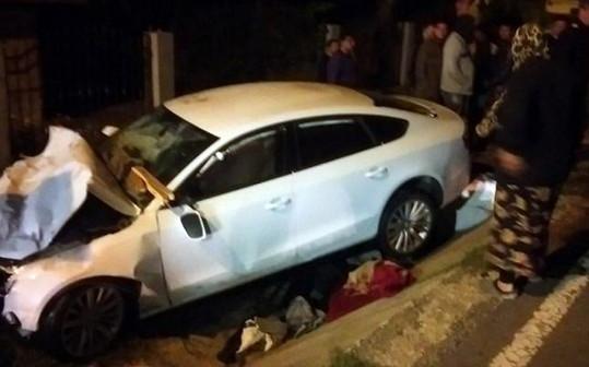 I přes značné poškození vozu vyvázla řidička i spolujezdci bez zranění.