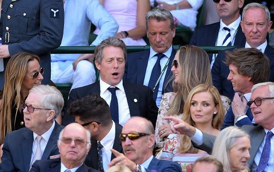 Usazeni byli vedle Eddieho Redmaynea a jeho ženy.