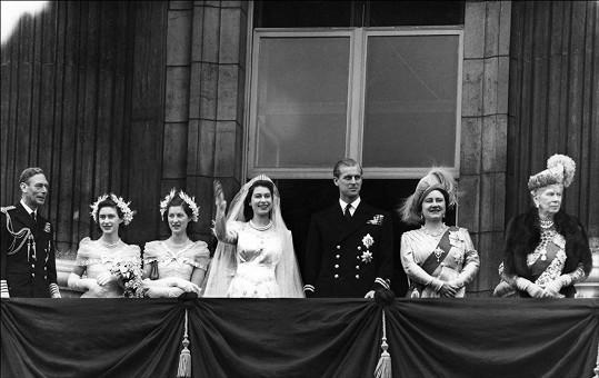 Na balkoně Buckinghamského paláce