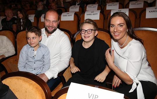 Lucie už má dva syny z předchozího vztahu, Jiří má dospělou dceru.