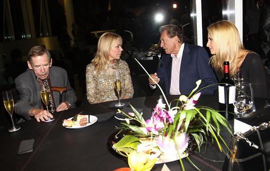 Havlovi měli s Gottovými dobré vztahy. Foto ze září 2011, pár měsíců před smrtí Václava Havla.