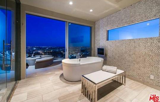 Koupelna se vstupem na terasu