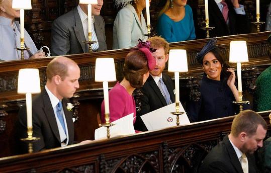Radostnou novinku prý manželé rodině sdělili na svatbě Harryho sestřenky princezny Eugenie.