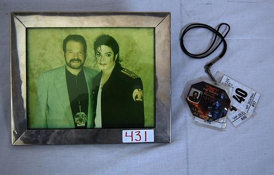 Klein před dvěma lety dával do aukce řadu vzpomínek na Michaela Jacksona.