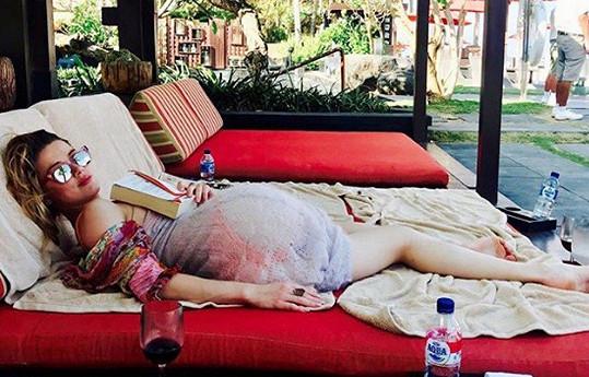Heard odjela zapomenout na starosti a nezdary na Bali.