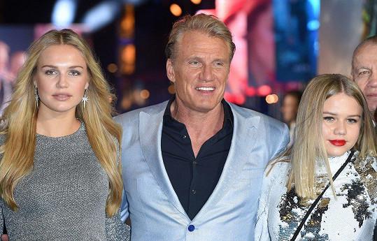 Dolph Lundgren s dcerami Idou (vlevo) a Gretou.