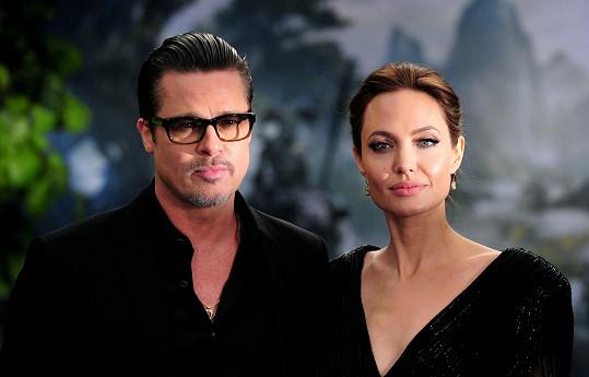 Angelina Jolie a Brad Pitt spějí k rozvodu.