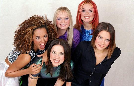 Emma (nahoře uprostřed) jako členka kapely Spice Girls