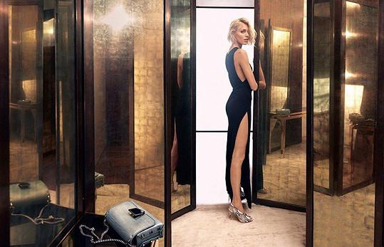Nekonečně dlouhé nohy, to je jedna z jejích hlavních deviz.