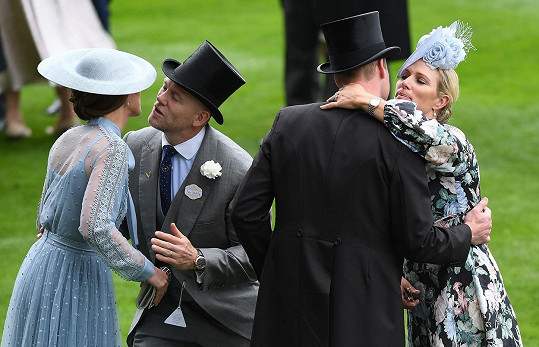 Manželé s vévodou a vévodkyní z Cambridge v Ascotu