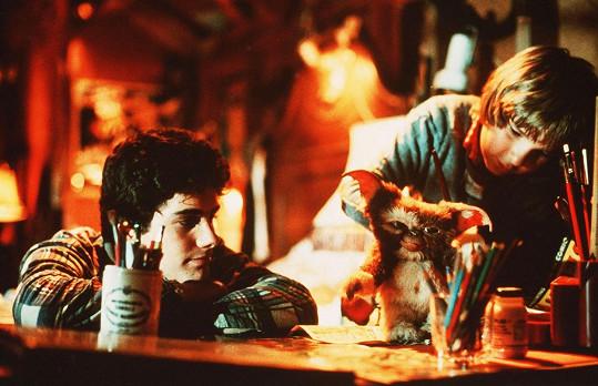 Corey Feldman (vpravo) ve filmu Gremlins (1984)