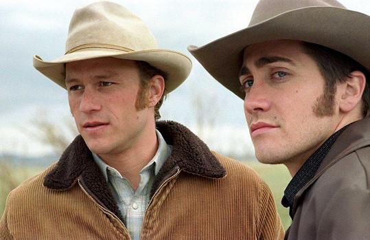 Ve Zkrocené hoře (2005) si zahrál po boku zesnulého Heatha Ledgera (vlevo).