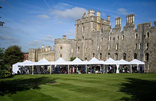 Svatba se odehraje na hradě Windsor.