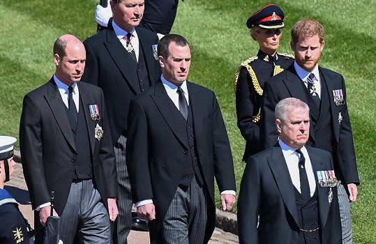 Smuteční průvod za rakví prince Philipa