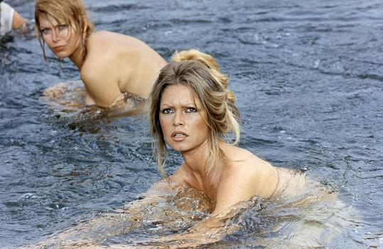 Ve filmu Petrolejářky (1971) se Brigitte koupala polonahá...
