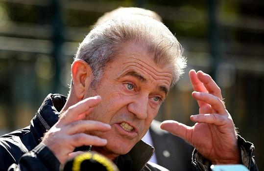 Mel Gibson už zase vyváděl.
