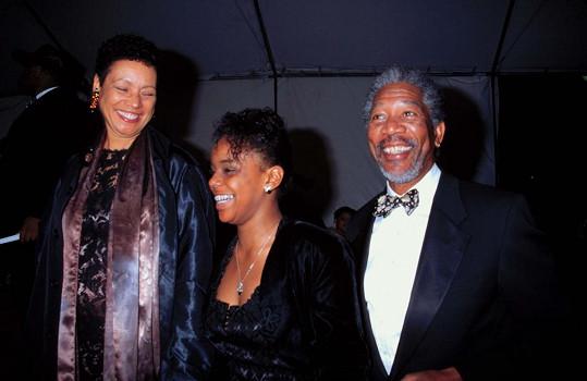 Freeman s vnučkou a manželkou v roce 2009