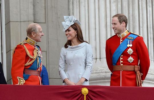 V prohlášení princ William mj. uvedl, že je vděčný, že jeho žena Kate měla příležitost prince Philipa poznat.