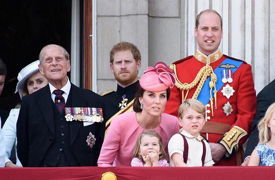 Kate to neměla lehké, prince George hned tak něco nezaujme.