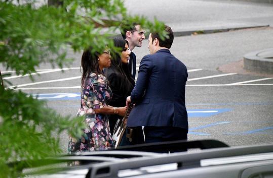 Setkala se se zástupci Bílého domu.